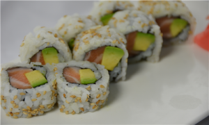sushi salmon avocado roll